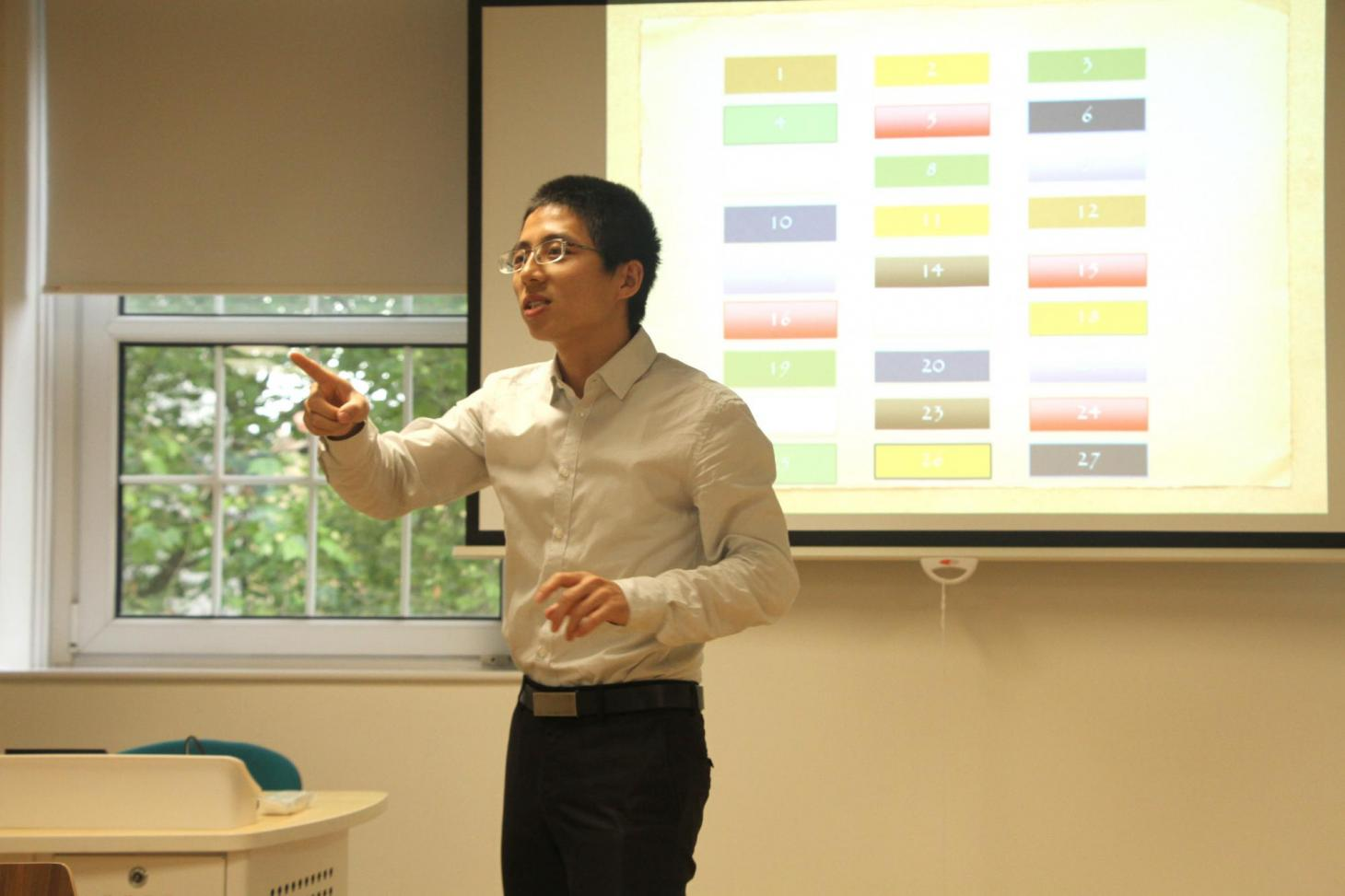 Mr Zhao Jingjie introducing effective classroom activitites